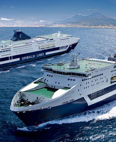 navi ammiraglie grimaldi in navigazione