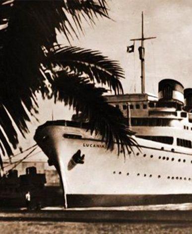 Foto antica della Lucania, una delle prime navi della Grimaldi Lines.